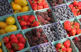 fresh berries at the farmers market
